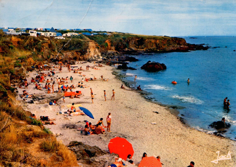 Loin Des Pavés, La Plage : Les Vacances En Bretagne